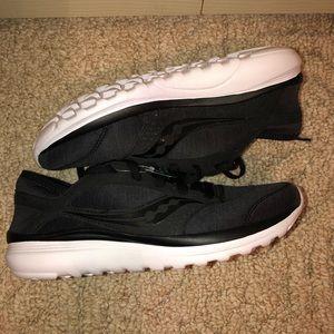 Women's Saucony Kineta Series Shoe